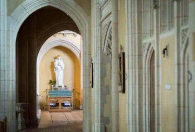Mass priesthood eucharist priest calling vocation communion Church ealing st Benedict ealing church abbey Mary statue